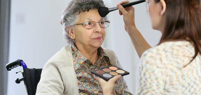 Alzheimer's: Bathing, Dressing, Grooming